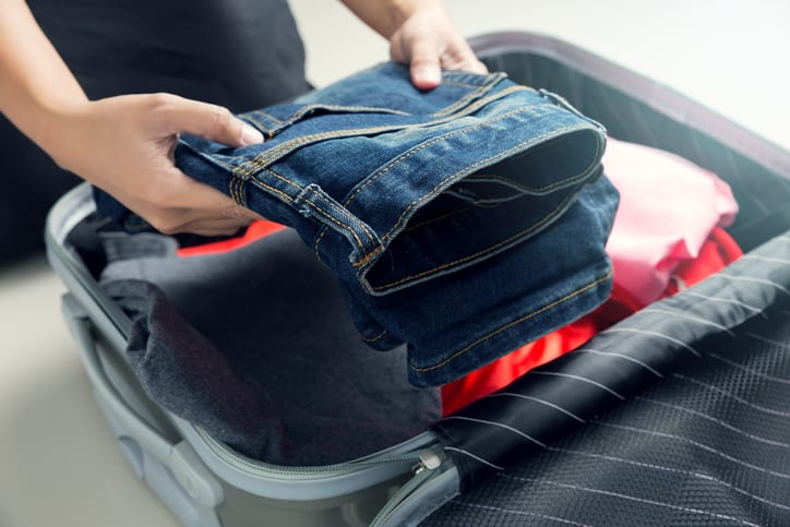 Packing clothes in suitcase - what to bring